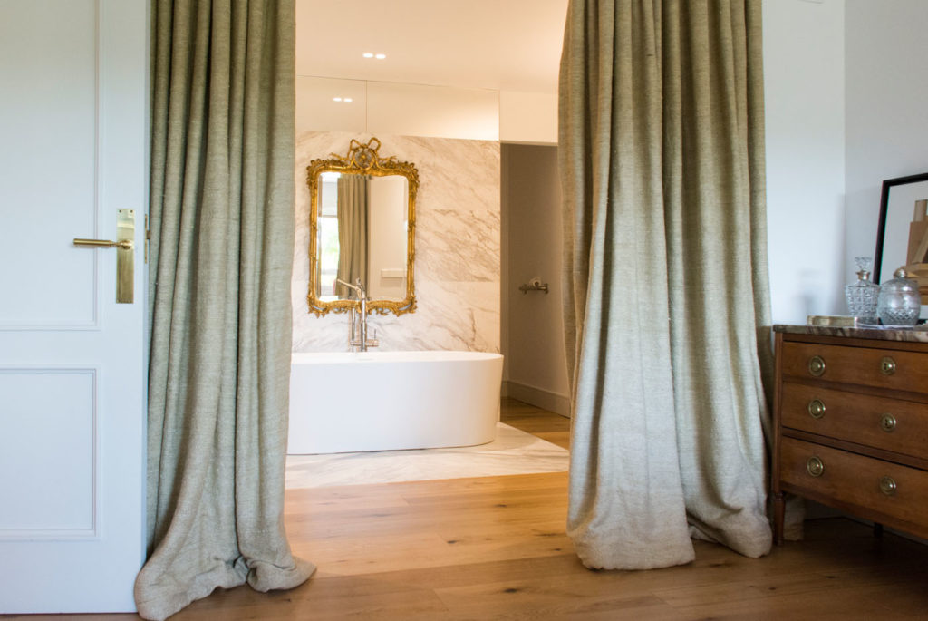 Barn-Natural-bathroom-1